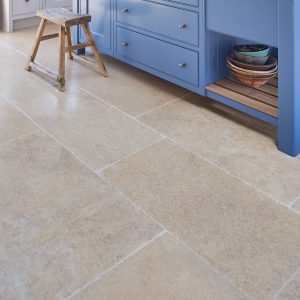 Calcot Limestone Tumbled Finish Close Up