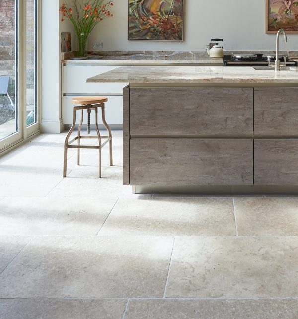 Carnaby Tumbled Limestone with a stunning breakfast bar