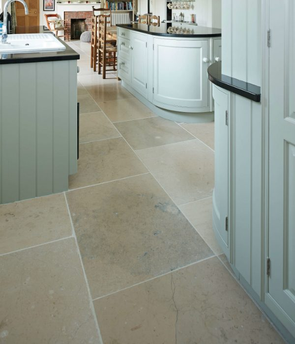 Charterhouse Limestone Tumbled fininshed with large kitchen tiles