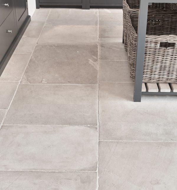 Dorchester Sandstone Tumbled Finish Close Up