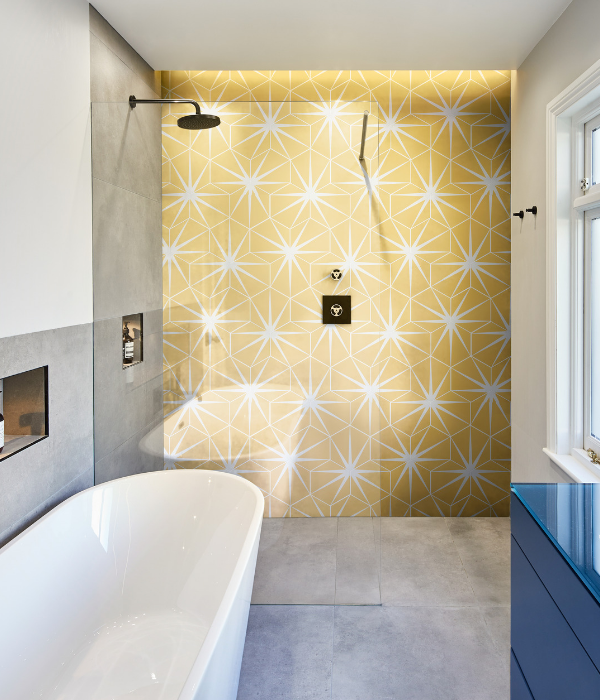 Lily Pad Porcelain Bathroom feature wall in Custard