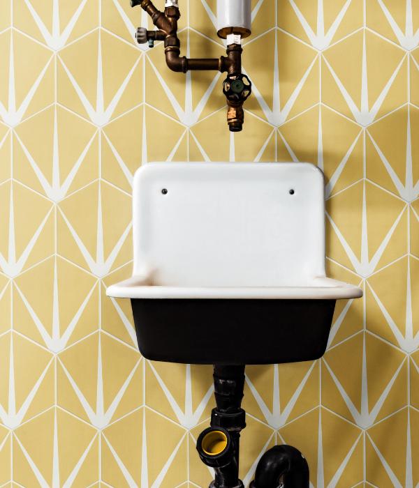Lily Pad Porcelain Bathroom wall in Custard